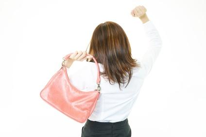 バッグの持ち方が悪いと太りやすくなる!