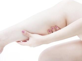 生理前の浮腫みを解消する!浮腫みが起きる原因や予防法は?